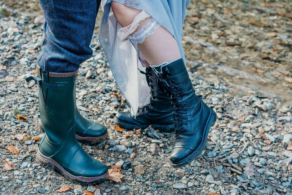 bride & groom outdoor shoes wedding photography