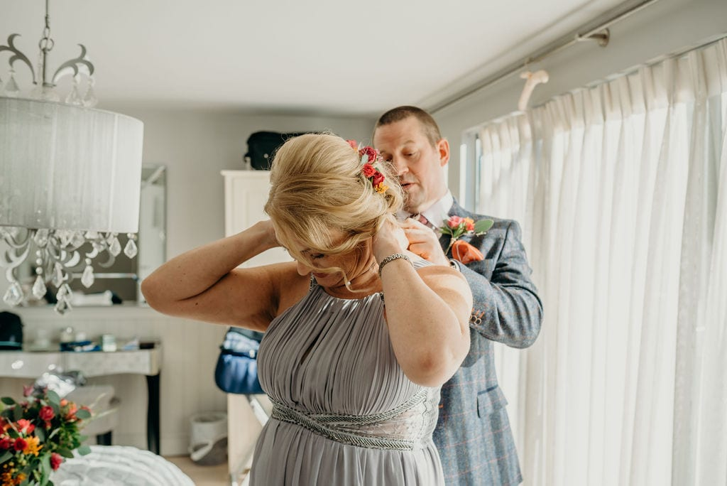 bride & groom getting ready