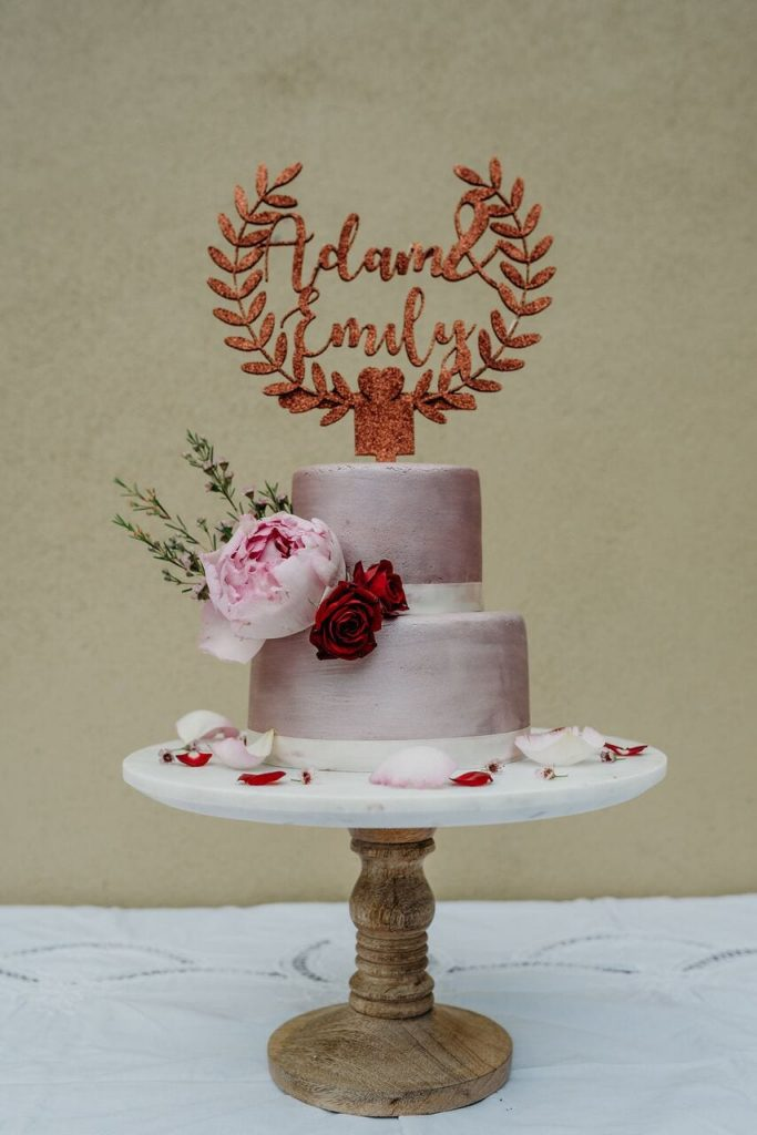 november recap elopement wedding cake pink and rose gold