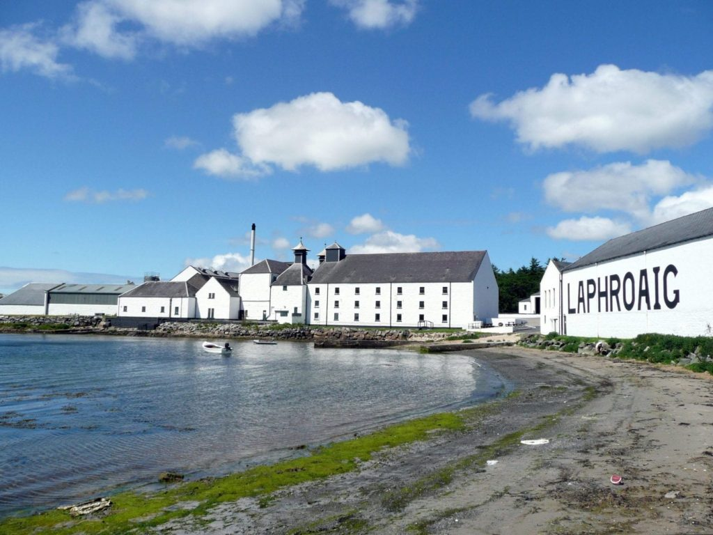 scotch whiskey Laphroaig_Distillery