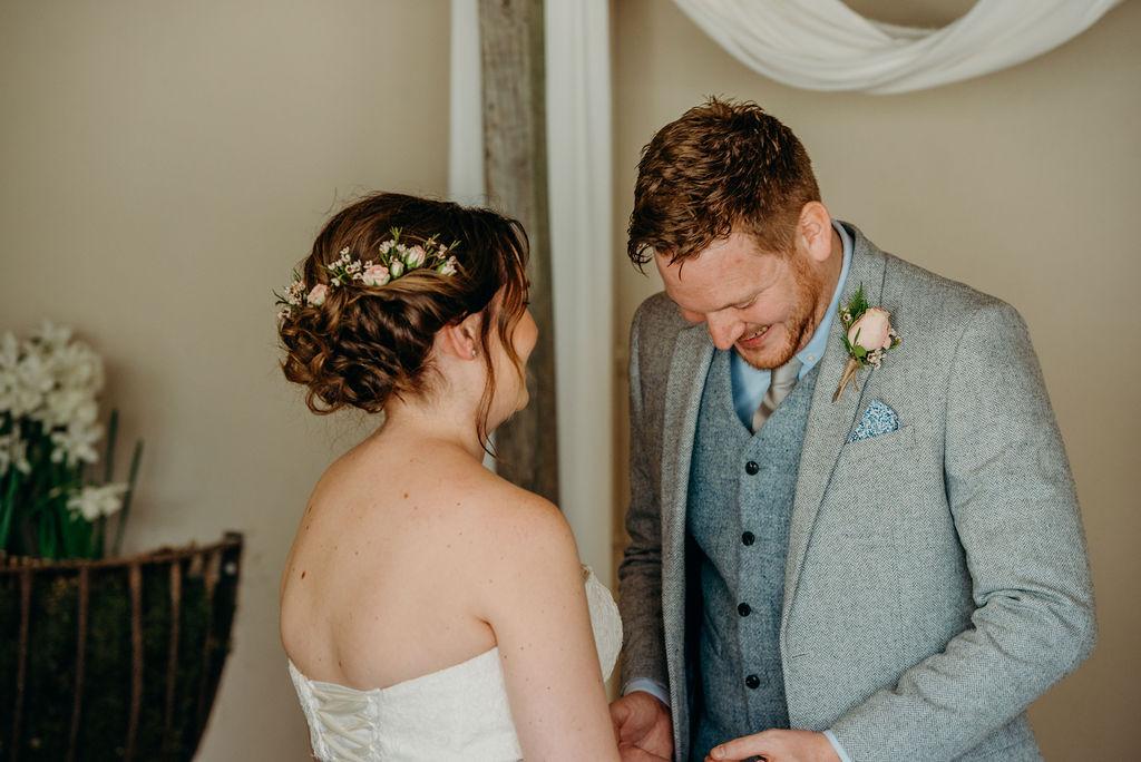 subtle, effective, elegant, tousled, wedding day, elopement