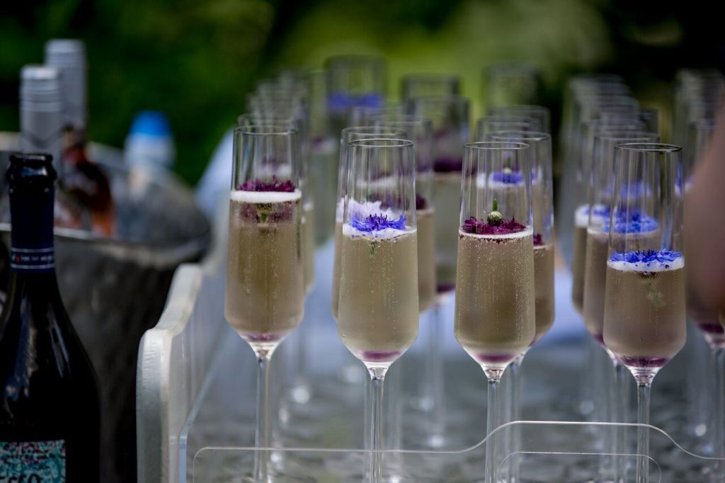 lavender trend ever after blog edible flowers in champagne flutes