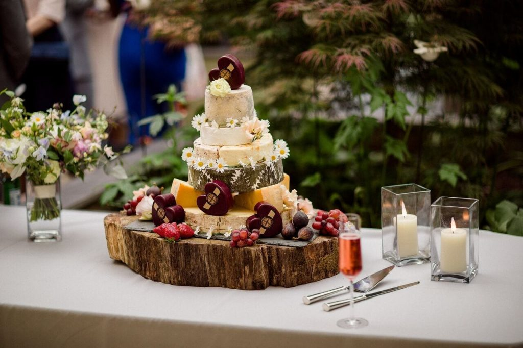 wedding breakfast decor ever after's cake table
