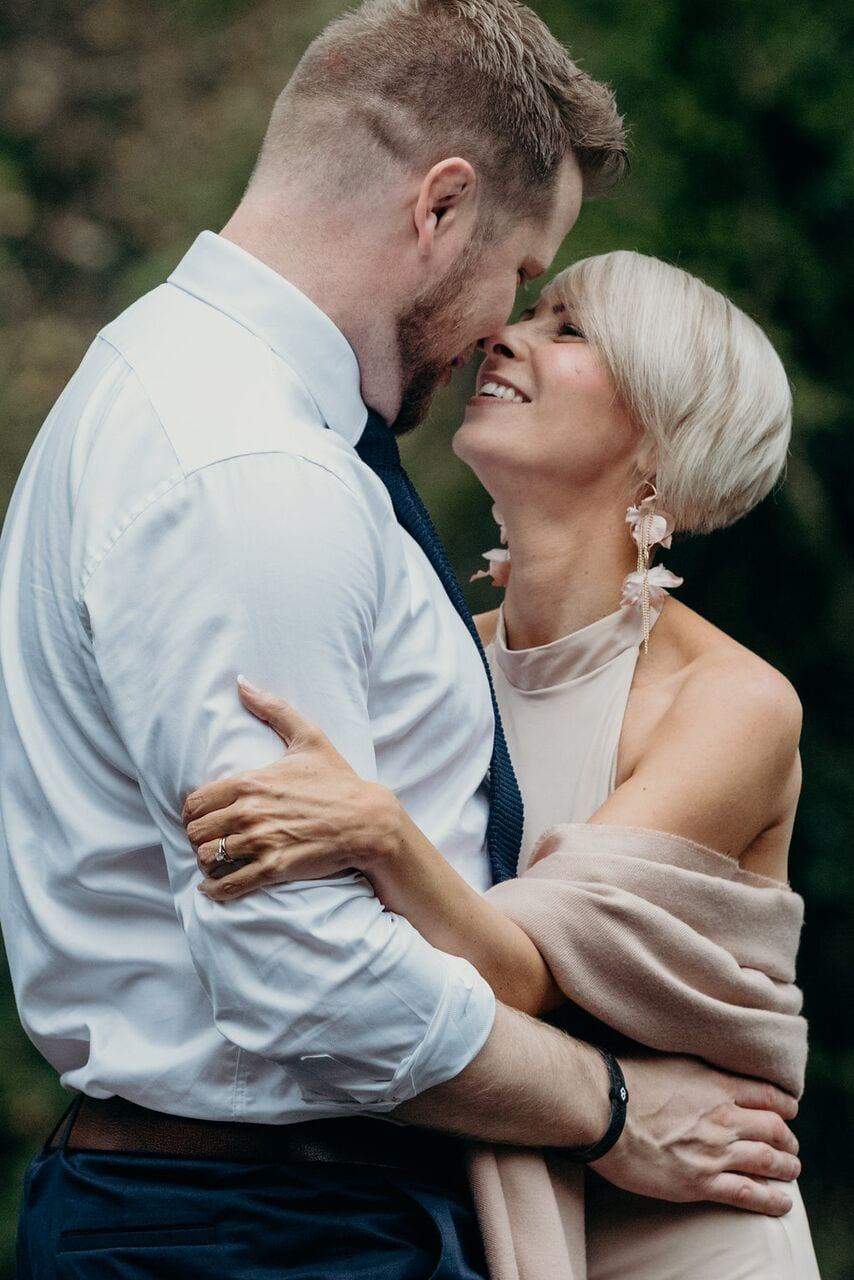 elopement sarah and dan bride and groom