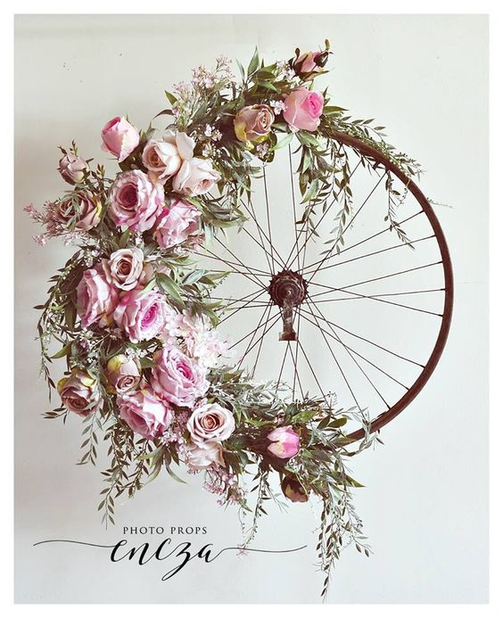 Vintage, bicycle wheel, circle, floral, wedding, trends, ever after, 2019