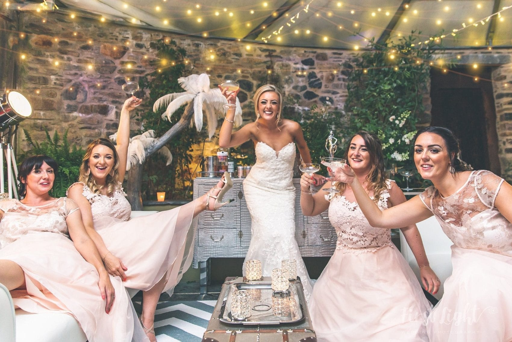 pop up lounge, champagne, gin, girls, bridesmaids, bridesmaid, party, fun, celebration, toasting, toasts, cheers