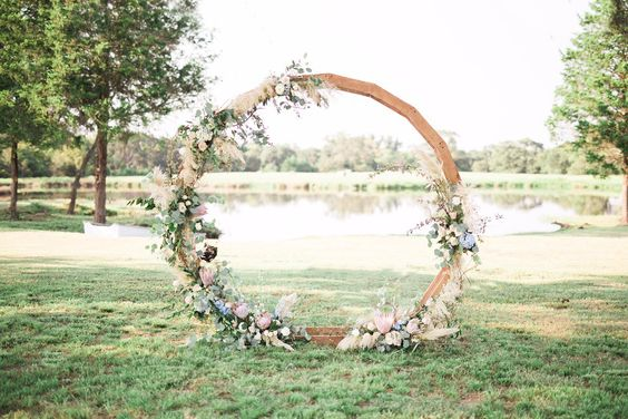 Circle Arch, floral, wedding, ever after, inspiration, trends, 2019, ring
