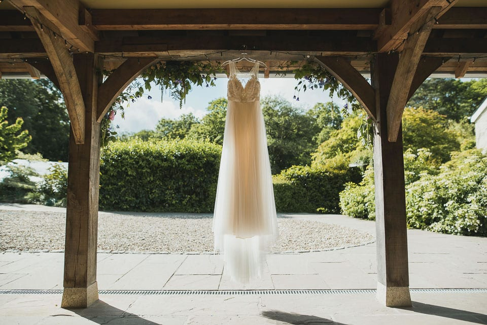Wedding dress, wedding barn, beautiful scenery, hanging, sun light, summer