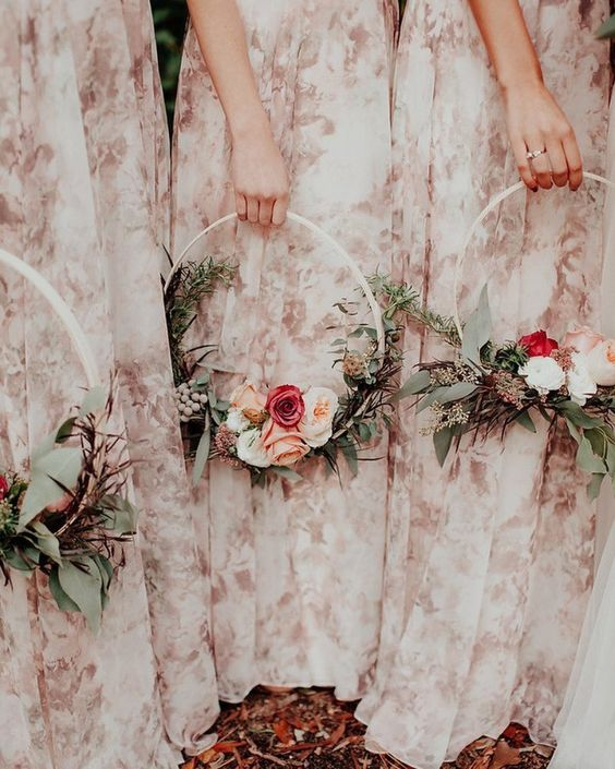 floral hoop, circle bouquet, flowers, inspiration, wedding, trends, ever after, 2019