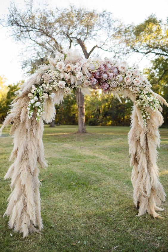 Pampas arch, rustic, woodland, wild, inspiration, wedding, decor, trends, 2019, ever after