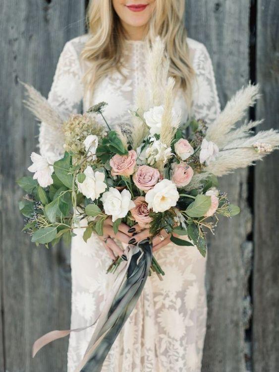 Pampas bouquet, wild, rustic, flowers, trending, wedding, ever after, 2019