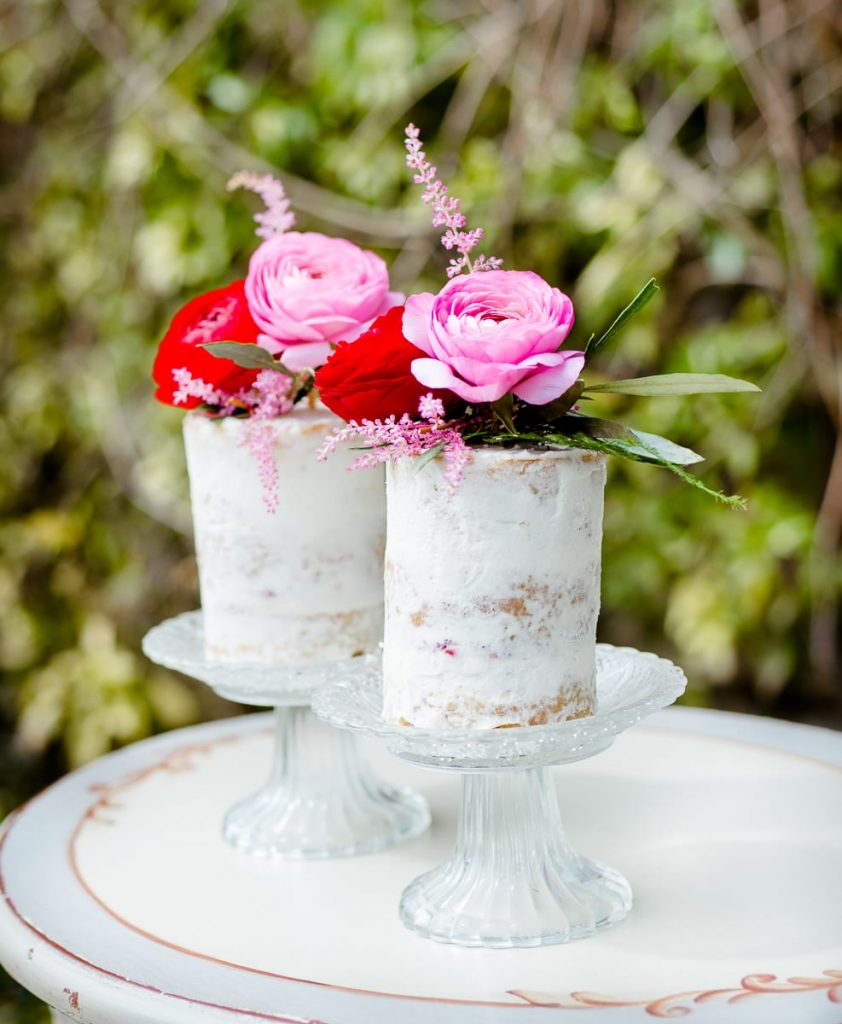 edible essence 2 mini wedding cakes pink flowers