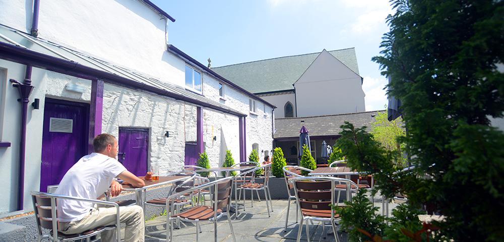 the cornish, restaurant, bistro pub, amenities, local, tavistock, highstreet